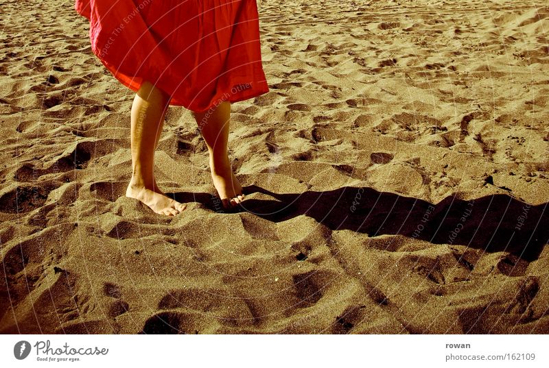 strand tanz rot Sommer Strand Ferien & Urlaub & Reisen Wärme Sand Küste Rock Barfuß