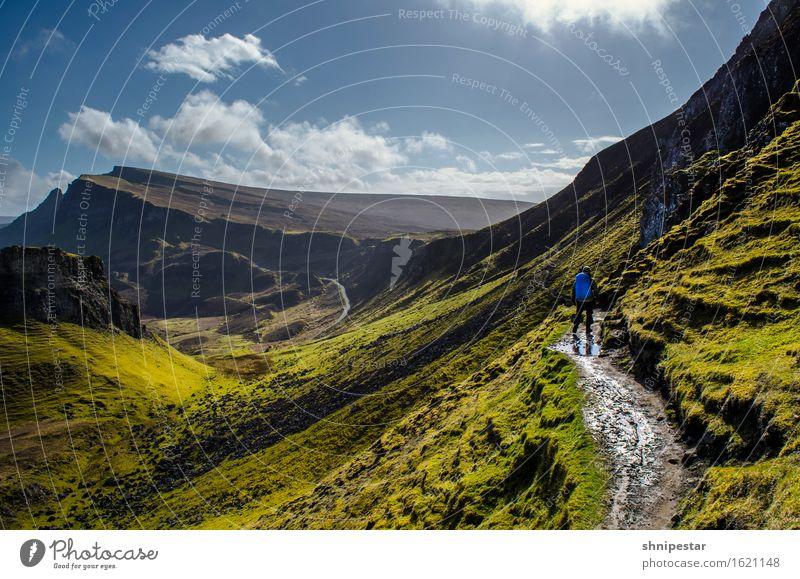 The Quiraing, Isle of Skye, Scotland Mensch Himmel Natur Mann grün Sonne Landschaft Berge u. Gebirge Erwachsene Umwelt Felsen Tourismus wandern Ausflug laufen