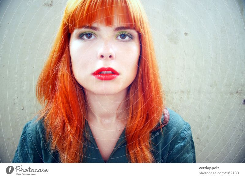 Frau rot Gesicht Farbe Gefühle Stil hell Behaarung Lippen Schminke Mund Mensch