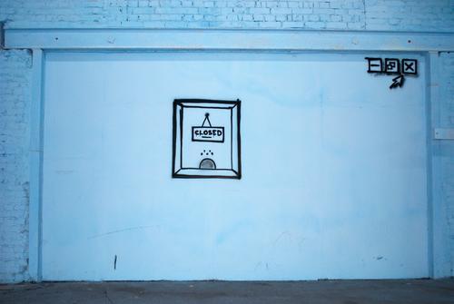 Diese Seite ist zur Zeit leider nicht erreichbar Fortschritt Zukunft Internet Grafik u. Illustration Wand Fenster Beton Schilder & Markierungen Pfeil warten