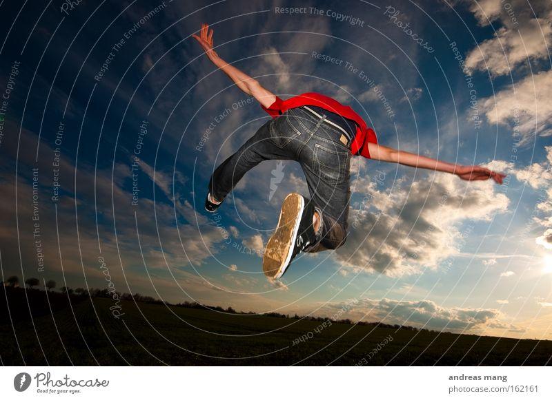 flying away Himmel Sonne Freude Spielen Freiheit Wege & Pfade springen Stil Feld Luftverkehr Aktion genießen