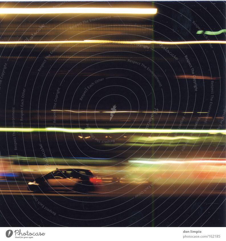 mr. mojo risin PKW Stadt Licht Bewegungsunschärfe Mittelformat Langzeitbelichtung Barcelona Taxi Nacht mehrfarbig Unschärfe analog