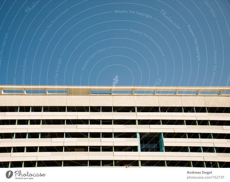 Prager Straße Himmel Architektur Dresden Balkon DDR Plattenbau Sanieren Prager Strasse