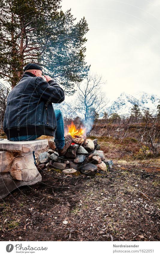 Allein unterwegs Mensch Natur Mann Erholung Einsamkeit ruhig Ferne Berge u. Gebirge Erwachsene Leben Freiheit maskulin Zufriedenheit Freizeit & Hobby frei