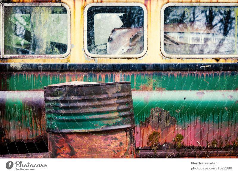 Patina Arbeit & Erwerbstätigkeit Technik & Technologie Energiewirtschaft Stadtrand Verkehr Personenverkehr Öffentlicher Personennahverkehr Busfahren Fahrzeug
