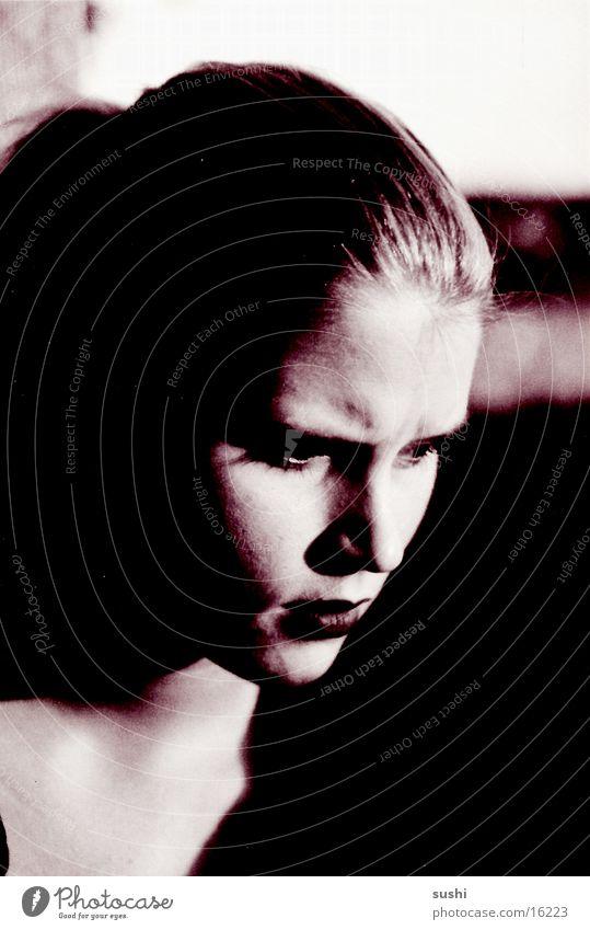 Portrait Porträt Frau Profil Mensch Schwarzweißfoto