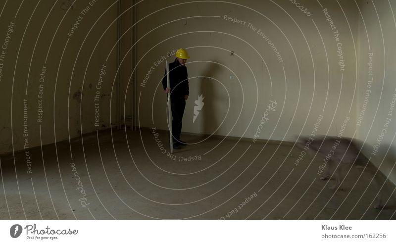 MY TRIP OVER 50 METERS ::::::: Mann alt Wege & Pfade Kunst Raum Tanzen Kultur Handwerk heilig Bauarbeiter Handwerker Helm Bauschutt Ikonen bescheuert verschoben