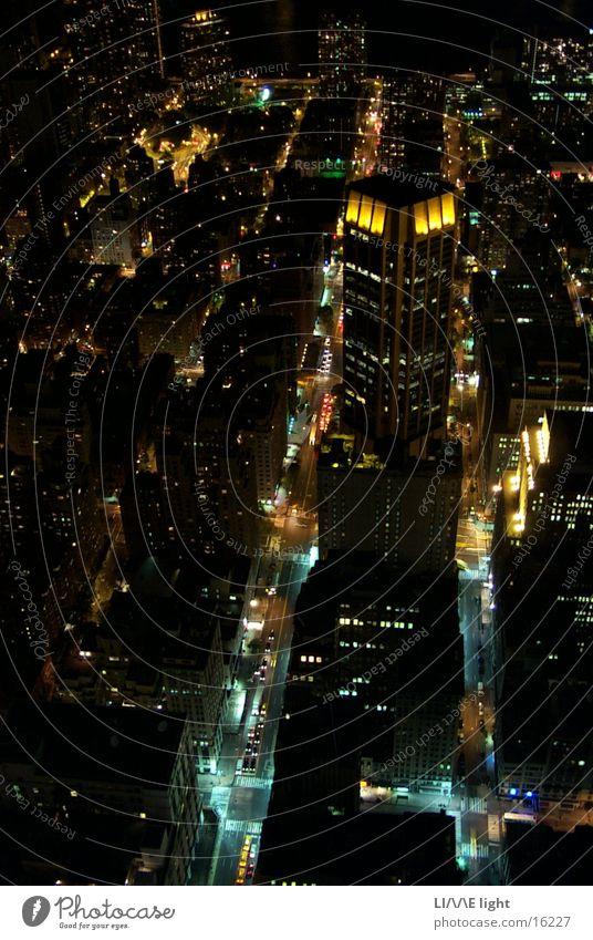 Schluchten der Großstadt New York City Nacht Empire State Building Architektur Vogelperspetive