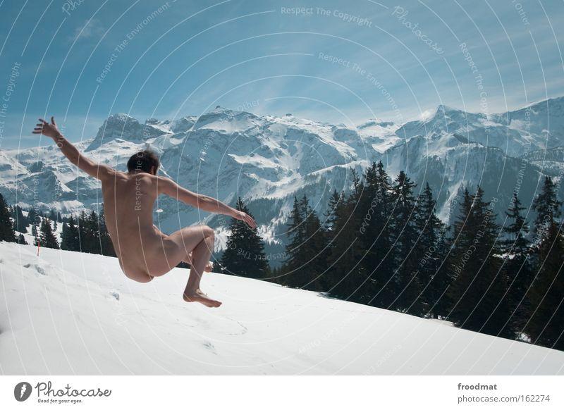 arschkalt Winter Freude Wald kalt Schnee Berge u. Gebirge nackt Freiheit springen Gesundheit verrückt Fröhlichkeit Coolness Gesäß Alpen Schönes Wetter