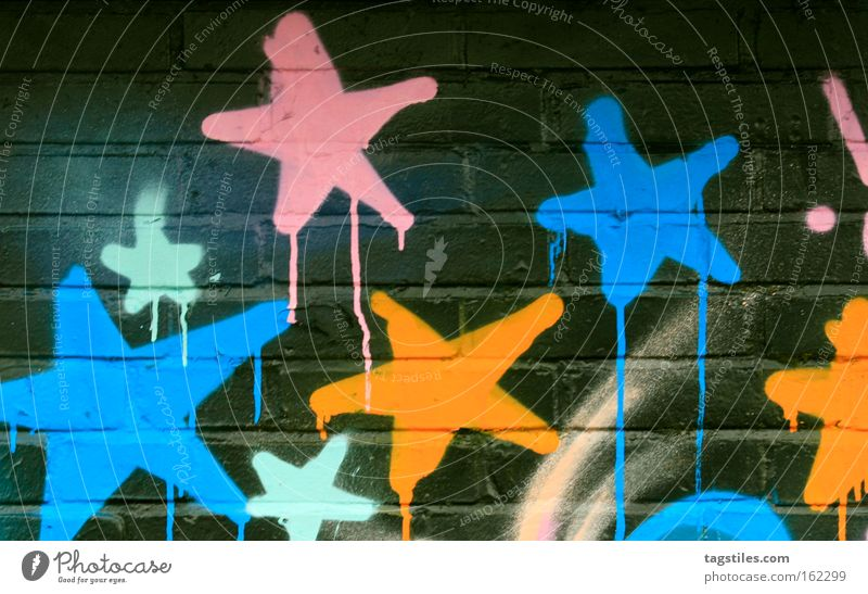 STARS ON BLACK Graffiti Stern (Symbol) Wand Stein Sprühdose Wandmalereien Kampfsport Dekoration & Verzierung Läufer Laufnasen overkill brick bricks Sprühlack