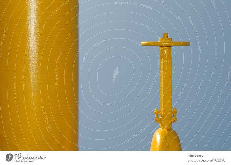 under pressure Farbfoto mehrfarbig Außenaufnahme Detailaufnahme Menschenleer Textfreiraum links Textfreiraum oben Textfreiraum unten Tag Kunstlicht Kontrast