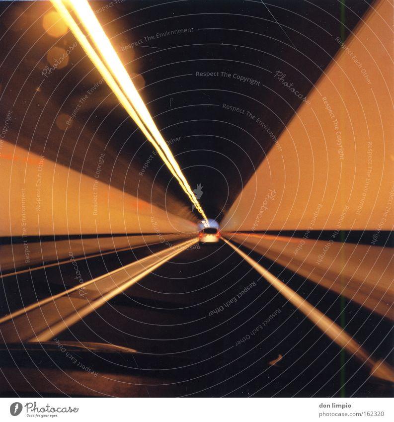wipe out Straße PKW Linie Beleuchtung Verkehr analog Tunnel Rauschmittel Mittelformat Beifahrer trampen