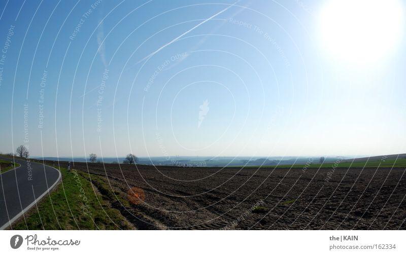 Auf, Auf! Himmel Sonne Ferne Straße Frühling Landschaft Feld Verkehr Landwirtschaft Furche erste Kondensstreifen