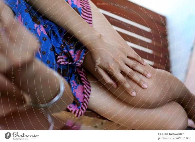 laze Frau Hand Ferien & Urlaub & Reisen Erholung Beine liegen leer Aktion Kleid Thailand bequem Asien