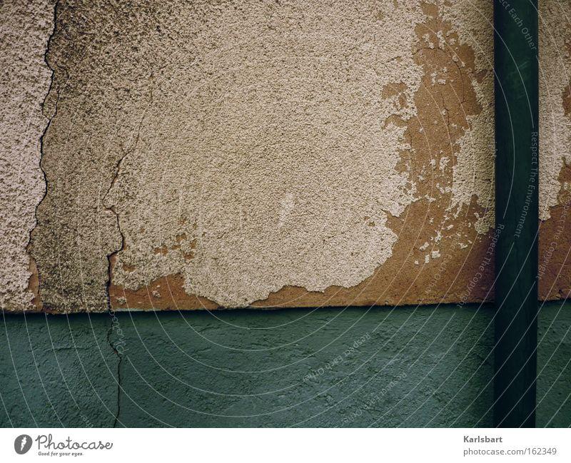 und jedem. ende. wohnt ein zauber inne. Stadt Wand Traurigkeit Mauer dreckig Hintergrundbild Design verrückt Fassade Vergänglichkeit Hautfalten verfallen Röhren Falte Verfall trashig