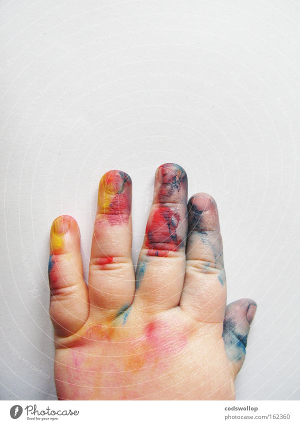 petits boudins colorés Kind Hand Kunst Kindheit lernen Kommunizieren Künstler Maler Kinderzimmer Farben und Lacke Expressionismus Fingerfarbe