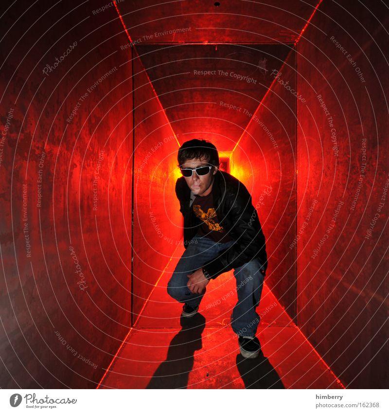 lightboxed Mensch Mann Jugendliche Erwachsene Leben Party Stil Mode maskulin Lifestyle Coolness 18-30 Jahre Neugier Junger Mann Veranstaltung Mut