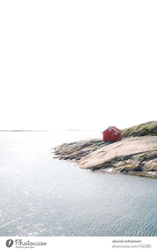 Hüttchen am Meer Haus Hütte Schweden Skandinavien Himmel Wetter Sommer Holz rot Wasser Horizont Sonne Licht Farbe Farbstoff Strand Küste