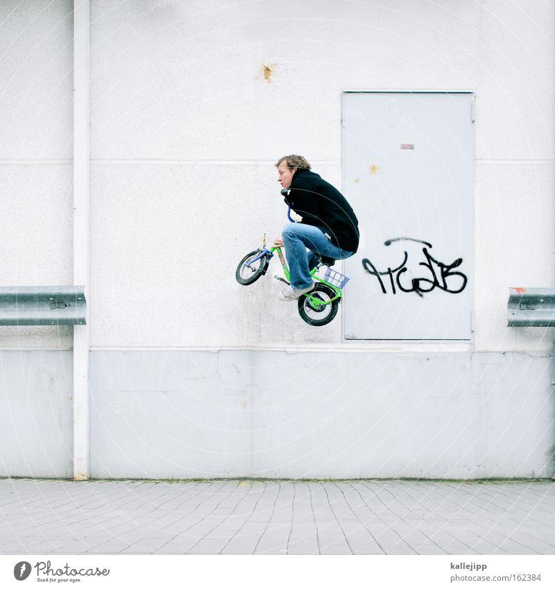 stuntman weiß Spielen springen Kapitalwirtschaft Versicherung Fahrrad fliegen verrückt Luftverkehr gefährlich Risiko Am Rand Zirkus Kinderfahrrad Freizeit & Hobby Leitplanke