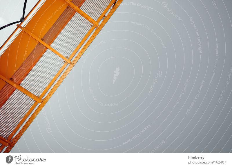 gold auf silber Himmel gelb grau Metall Design Zukunft Industrie Baustelle Technik & Technologie Fabrik Kreativität Wissenschaften Stahl Dienstleistungsgewerbe Handwerk Maschine