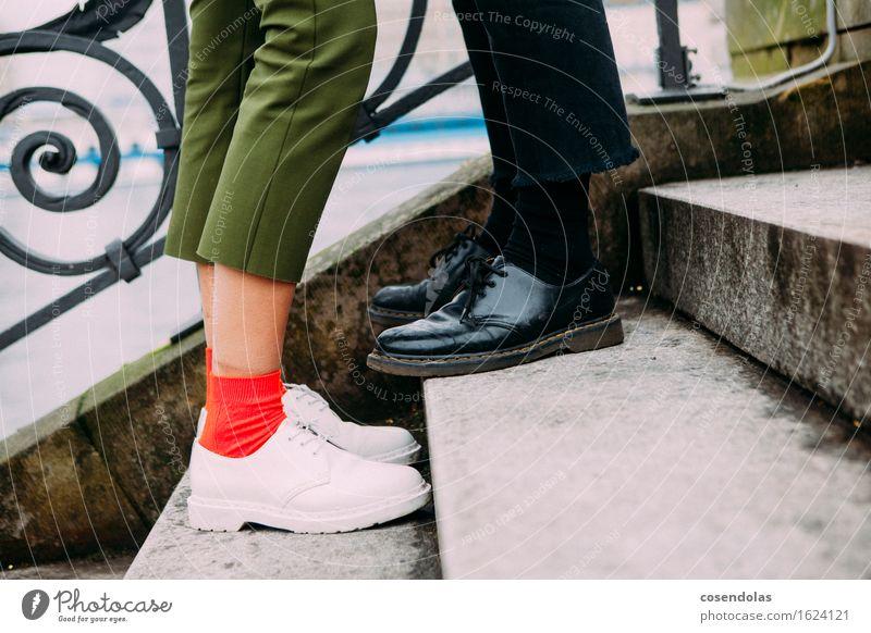 Liebespaar Mensch Ferien & Urlaub & Reisen Jugendliche Stadt Junge Frau Junger Mann 18-30 Jahre Erwachsene feminin Stil Lifestyle Beine Mode Paar Fuß maskulin
