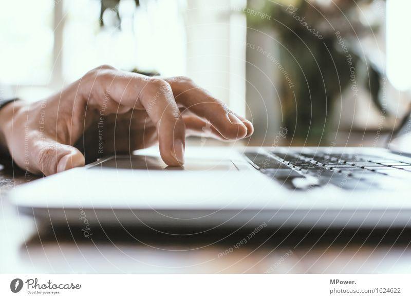 klick Technik & Technologie Unterhaltungselektronik High-Tech Informationstechnologie Internet maskulin Mann Erwachsene Hand 1 Mensch Arbeit & Erwerbstätigkeit