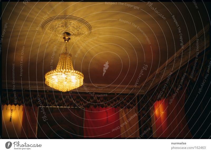 Indisch GUT! Lampe Beleuchtung Raum Innenarchitektur leuchten erleuchten Decke altmodisch klassisch Kronleuchter heimelig Deckenbeleuchtung Deckenlampe Raumausstattung