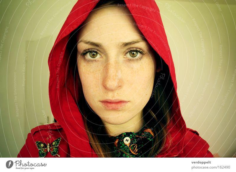 Frau Mensch rot Gesicht Auge Farbe Stil Beleuchtung Porträt Schmetterling Säugetier Sommersprossen Kapuze Sturmhaube Leuchtkraft