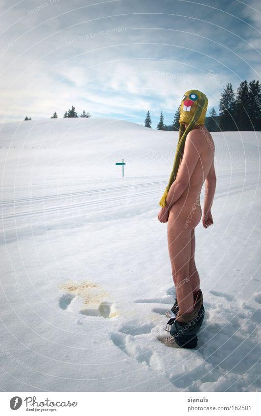 bunny pee Ostern Osterhase Maske verkleiden Hase & Kaninchen Strumpfhose Surrealismus Comic lustig urinieren Urin verrückt Schnee Alpen nackt obskur