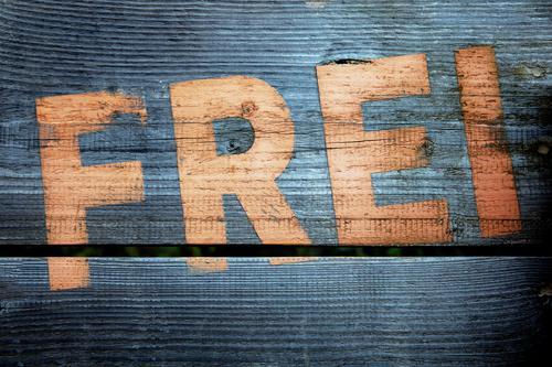 ...sein blau Gefühle Graffiti Holz grau Freiheit orange frei Kraft Schilder & Markierungen ästhetisch Schriftzeichen einzigartig Jugendkultur Sehnsucht Mut