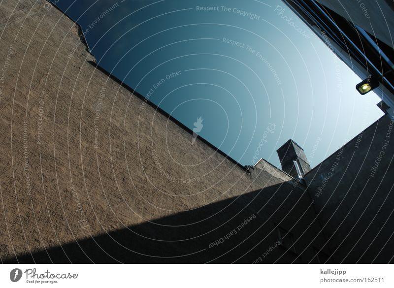 9 Lampe Sonnenenergie alternativ Energiewirtschaft ökologisch Elektrizität Licht Laterne Himmel Architektur Haus Wand Energie sparen Elektrisches Gerät