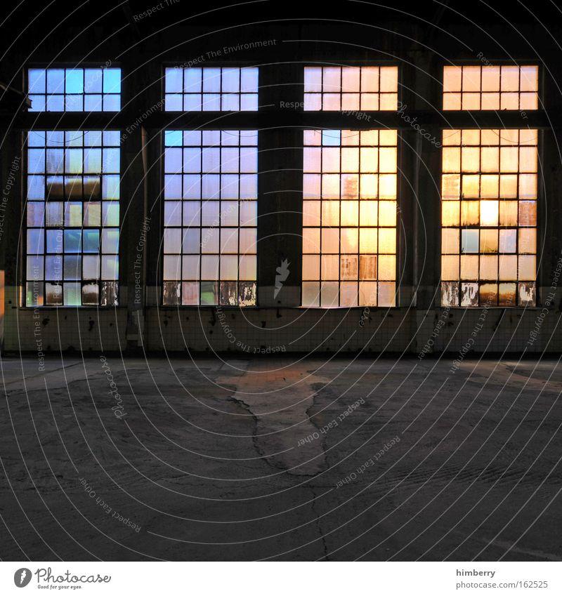 leuchtkästen Stadt Einsamkeit Farbe dunkel Stil Fenster Gebäude mehrfarbig Kunst Architektur Glas Design groß Fassade Industrie Zukunft