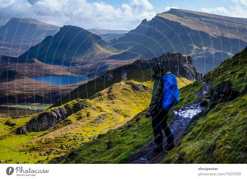 The Quiraing Mensch Natur Ferien & Urlaub & Reisen Erholung Landschaft Ferne Berge u. Gebirge Erwachsene Frühling Freiheit Freundschaft Felsen maskulin