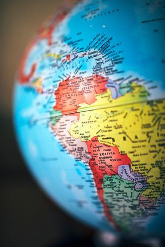 Haus Leben Schule Kreativität Europa Buch Symbole & Metaphern Asien Afrika Schreibtisch Globus Süden China Indien Entwurf Norden