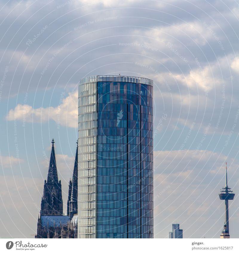 Köln UT | Kalk | Kölner Spitzen Himmel Stadt blau Wolken Haus Fenster Architektur Gebäude Fassade Hochhaus Kirche hoch Turm Bauwerk Skyline