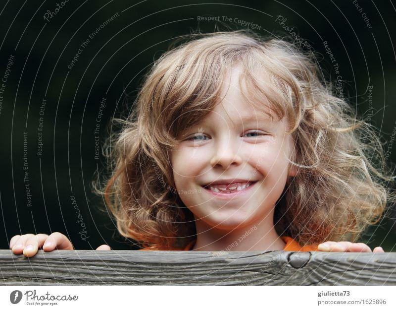 Frechdachs androgyn Kind Junge Kindheit Leben 1 Mensch 3-8 Jahre langhaarig Locken Coolness frech Gesundheit Glück lustig natürlich schön Freude Fröhlichkeit