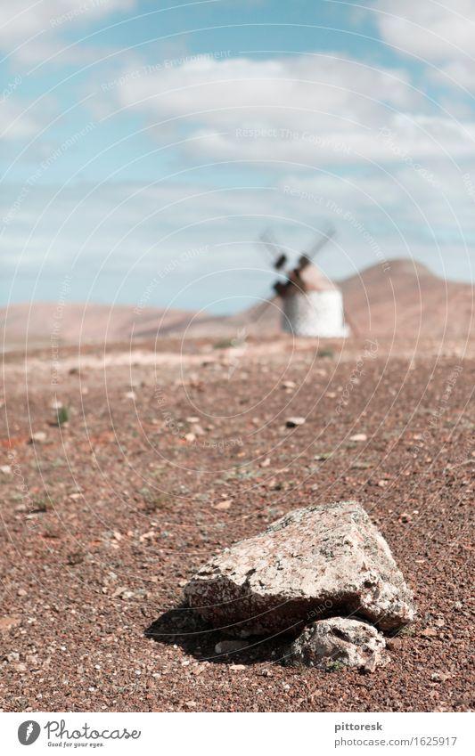 Wind VIII Einsamkeit Kunst Stein ästhetisch Boden Spanien Windkraftanlage Windstille Kunstwerk steinig Windmühle dezent Mühle Steinboden Steinzeit