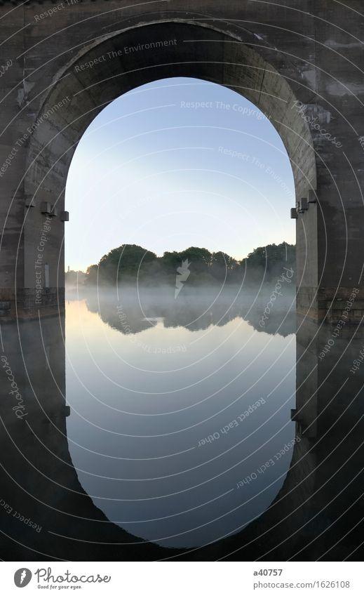 Stockholms alte Brücke Brückenkonstruktion Wasser Spiegel Reflexion & Spiegelung Bogen Schweden Beton Stadt
