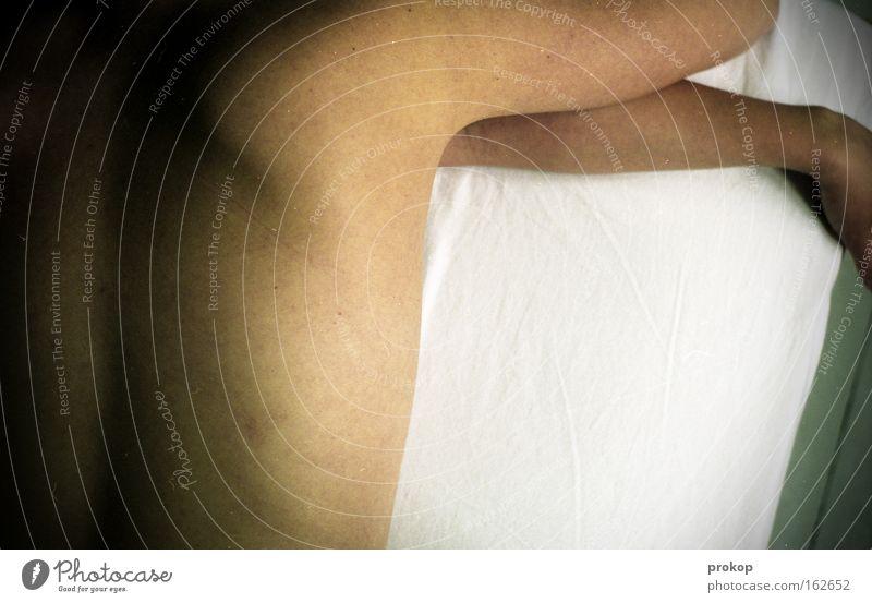 tangerine dream Frau Akt nackt Rücken Arme Hand Bett liegen geheimnisvoll mystisch Haut Körper Vertrauen Frieden