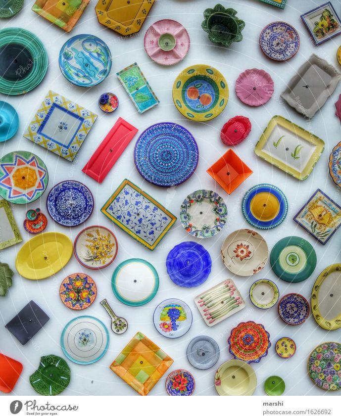 Keramik Ornament Stimmung Teller Geschirr Portugal Kunst mehrfarbig Schalen & Schüsseln blau gelb rot Kunsthandwerk Handwerk Farbfoto Außenaufnahme