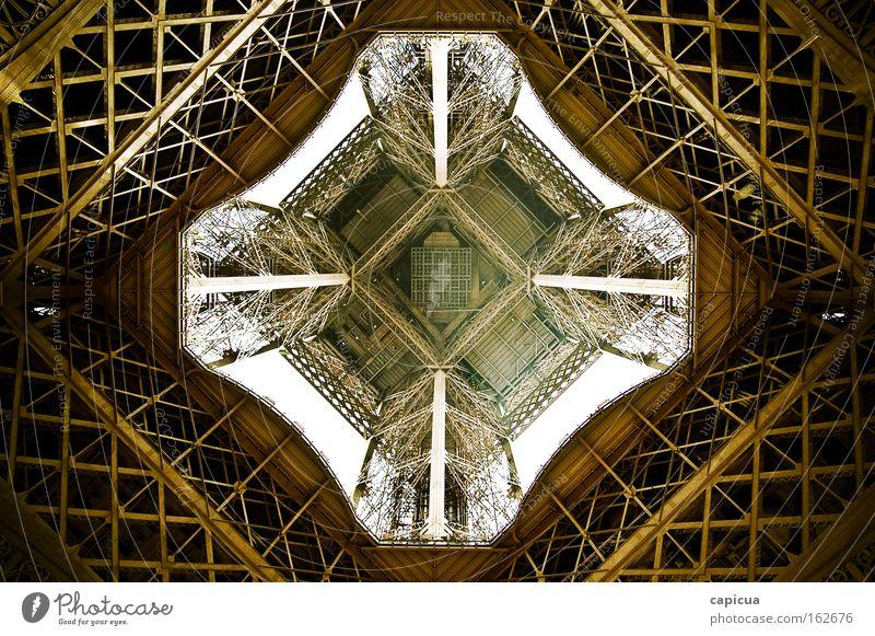 Eiffel Paris Stahl gold Architektur Weitwinkel Zukunft abstrakt Detailaufnahme Perspektive