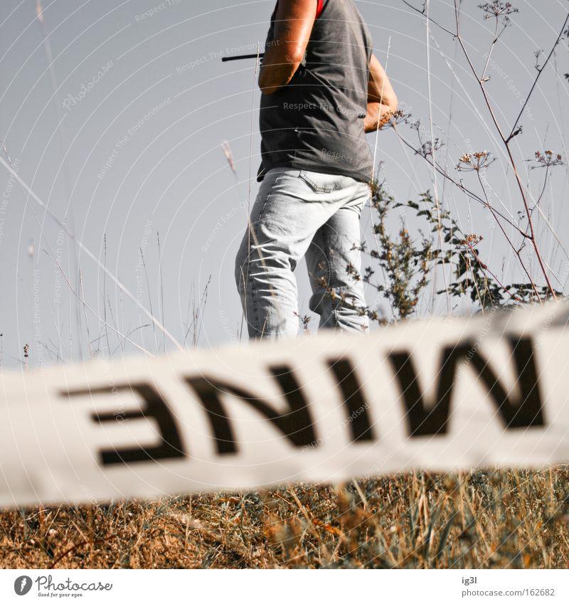 Liebe & Krieg Tod Erfolg Trauer Warnhinweis Flüssigkeit Wut Krieg Ruine Kroatien Seele Verzweiflung Zerstörung kämpfen Abschied Mittelmeer Sportveranstaltung