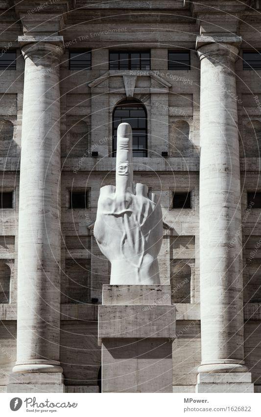 milano (im finanzviertel...) Stadt Haus Platz Bauwerk Gebäude Architektur Aggression Mailand Finger Skulptur Italien Finanzkrise Mittelfinger Einstellungen