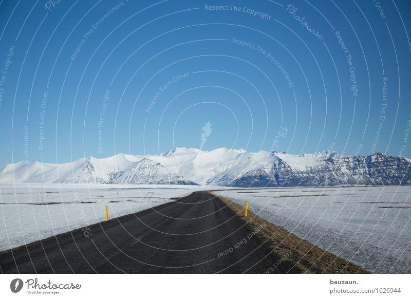 weit weg. Natur Ferien & Urlaub & Reisen Landschaft Ferne Winter Berge u. Gebirge kalt Umwelt Straße Wege & Pfade Schnee Freiheit Tourismus Verkehr Eis Erde