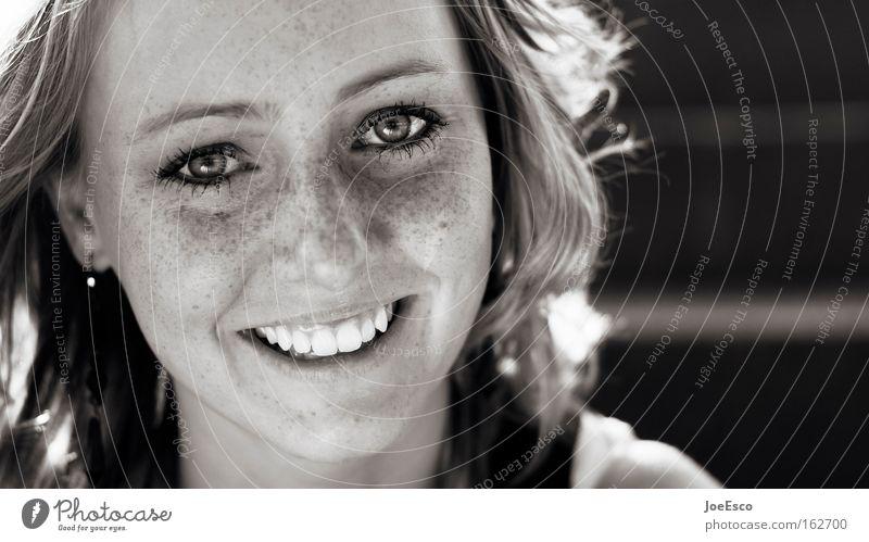 kurz mal lachen... Frau Mensch Jugendliche schön Freude Gesicht Porträt Auge Leben Haare & Frisuren Stimmung glänzend blond Erwachsene frisch