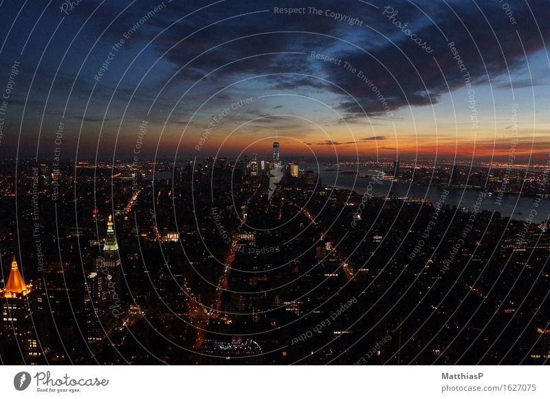 New York City / Manhatten Sonnenuntergang Lifestyle Sightseeing Städtereise Architektur Nachthimmel Horizont Sonnenaufgang Manhattan Amerika Stadtzentrum