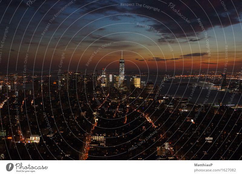 New York City / Manhatten Sonnenuntergang Landschaft Architektur Leben Lifestyle außergewöhnlich Business Tourismus Horizont leuchten elegant Hochhaus Kraft USA