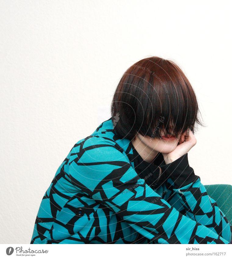 Ich bin nicht da! Haare & Frisuren verdeckt verstecken geheimnisvoll verborgen Durchblick Einblick Geborgenheit Angst Panik Sicherheit abgestützt