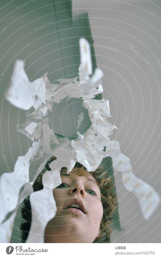 Meine Welt ist viel bunter als ihr denkt Porträt Selbstportrait Frau weiß Windspiel Perspektive außergewöhnlich Papier Dekoration & Verzierung Gesicht Wand