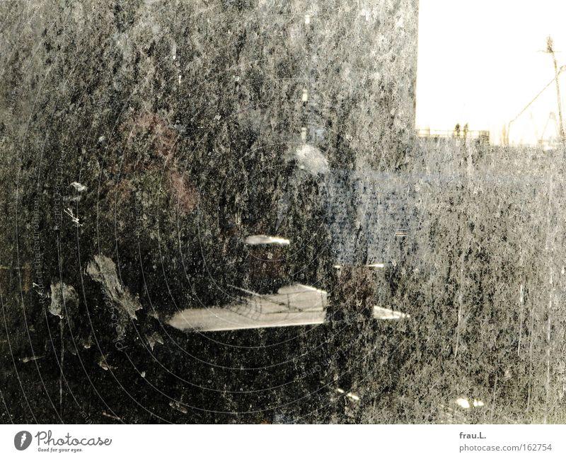schmutzig Mensch Haus Erwachsene Herbst Fenster Arbeit & Erwerbstätigkeit dreckig maskulin Hochhaus Baustelle Dach Fensterscheibe Schornstein bauen Kran Arbeiter